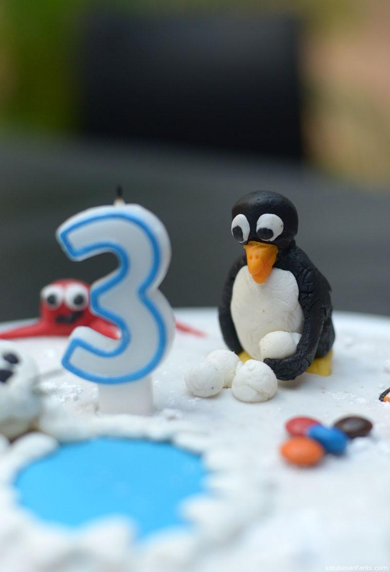 Pingu and his snowballs