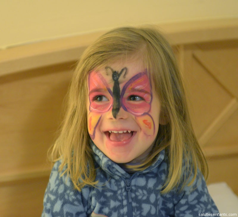 Face-painting day in the Kinderclub was a big success.  Until the make-up rubbed off on the back of Mom's bathrobe, leaving her wearing a clown-colored Turin Shroud for the rest of the vacation.